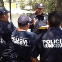 Policías municipales bloquean importantes avenidas de Chilpancingo