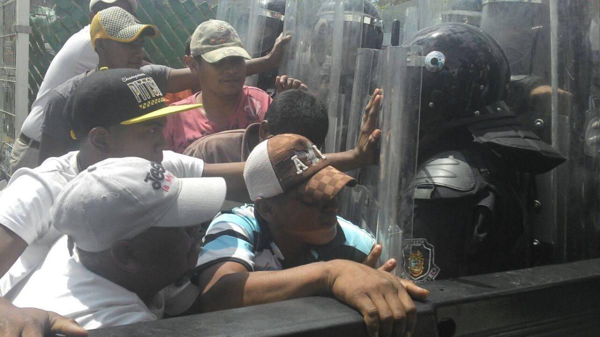 Burla Eliseo Villar a policías estatales y ministeriales que pretendían detenerlo en Chilpancingo
