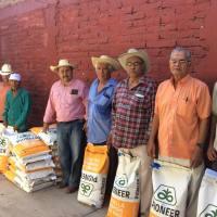 SAGARPA entrega apoyos solo a priistas; acusan en Coyuca de Catalán