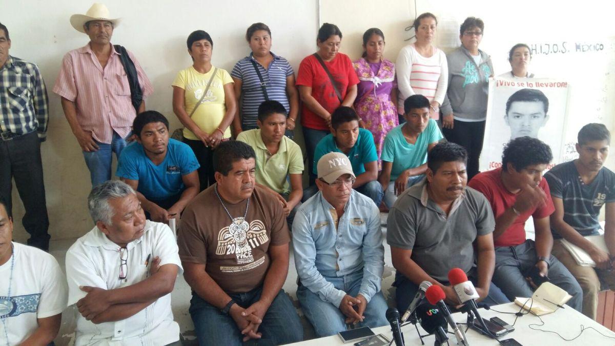 Gobierno mexicano usa el cine para criminalizar a normalistas; padres de los 43