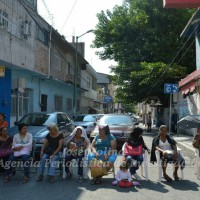 Chilpancingo: ancianos, discapacitados y madres solteras bloquean calles del centro