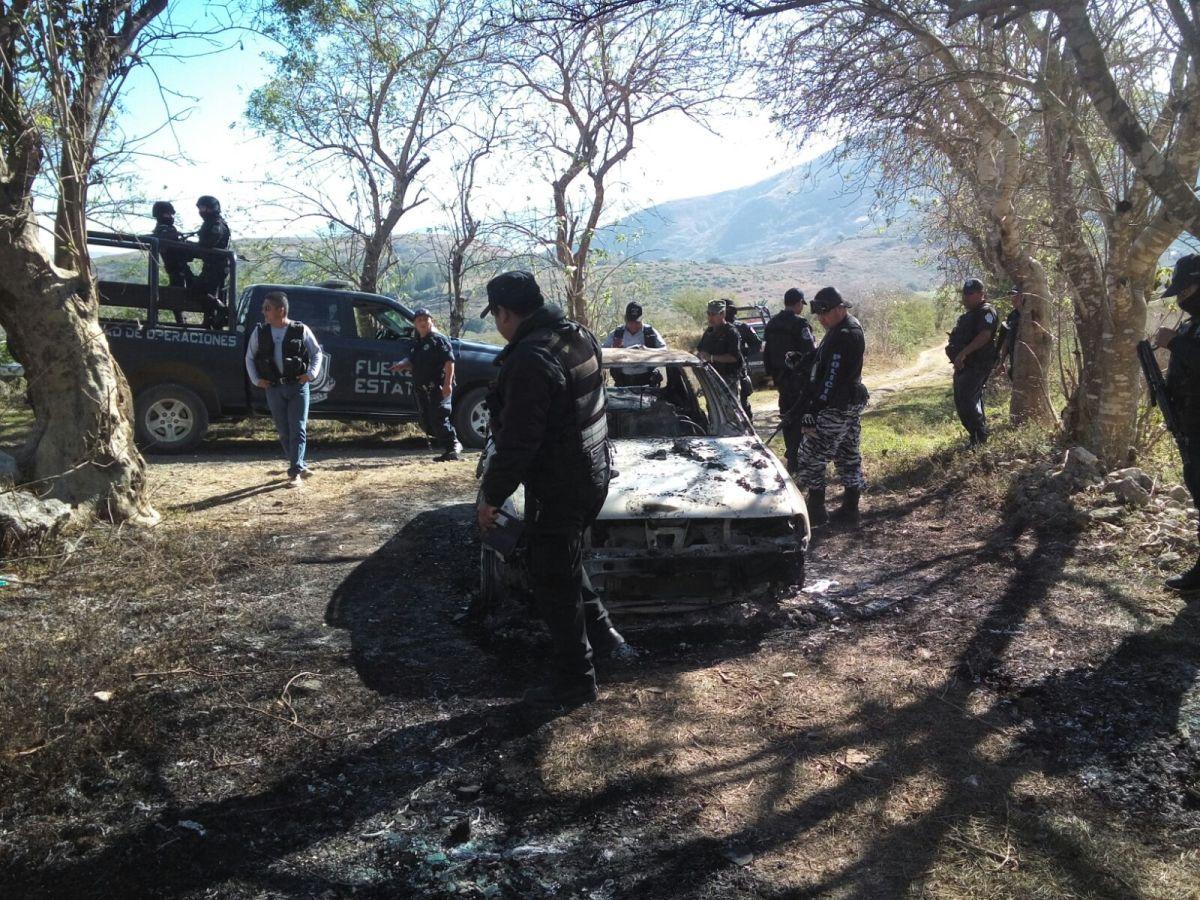 """Encuentran calcinado a policía estatal que había sido """"levantado"""" en Chilapa"""