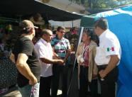 Momento en el que Popoca amaga con incendiar el Ayuntamiento de Iguala.