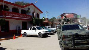 PF se fue; militares vigilan Cocula (3)