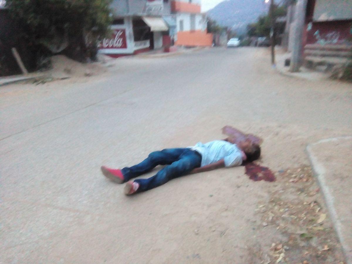 """Ejecutan a un joven en la colonia """"Radio Koko"""" de Acapulco"""