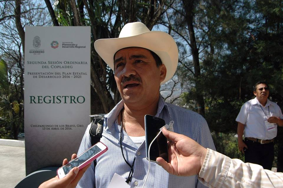 Se gesta autodefensa en San Miguel Totolapan; amagan con expulsar a PF y Ejército